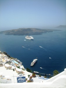 Cruise ships off Fira