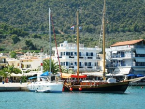 In Palais Epidhavros we saw the Schooner from Zea