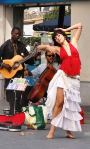 had the added attraction of street performers. . .music and movement, all very sensual.